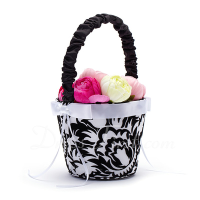 Nice Flower Basket in Satin With Embroidery (102018044)