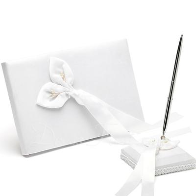 Calla Lily Petals Guestbook & Pen Set (101018209)
