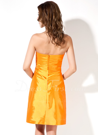 A-Linie/Princess-Linie Trägerlos Knielang Taft Brautjungfernkleid mit Rüschen Perlen verziert Schleife(n) (007001079)
