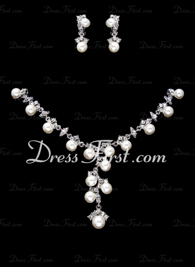 Attractive Alloy/Pearl With Rhinestone Ladies' Jewelry Sets (011017865)