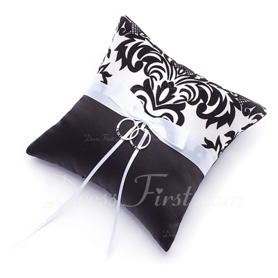 Damask Ring Pillow With Bow (103018225)