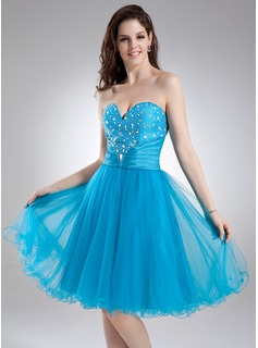 A-Line/Princess Sweetheart Knee-Length Taffeta Tulle Homecoming Dress With Ruffle Beading