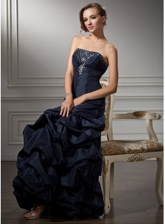 A-Line/Princess Strapless Floor-Length Taffeta Prom Dress With Ruffle Beading