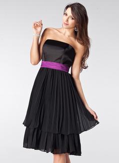 A-Line/Princess Strapless Knee-Length Chiffon Satin Bridesmaid Dress With Sash Bow(s) Pleated