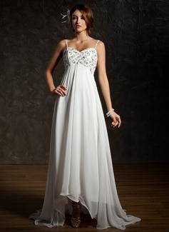 Väldet Hjärtformad Asymmtrisk Chiffong Bröllopsklänning med Rufsar Spetsar Pärlbrodering Paljetter