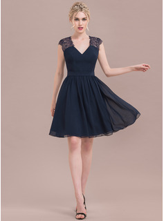 A-Line/Princess V-neck Knee-Length Chiffon Lace Homecoming Dress