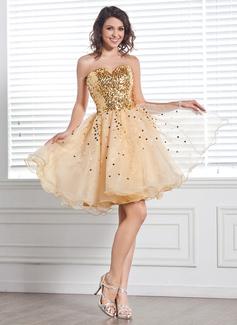 A-Line/Princess Sweetheart Knee-Length Organza Sequined Homecoming Dress
