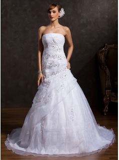 Ball-Gown Strapless Chapel Train Organza Wedding Dress With Ruffle Appliques Lace Sequins