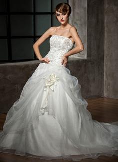Forme Marquise Sans bretelle Traîne chappelle Organza Satiné Robe de mariée avec Broderie Emperler Fleur(s)