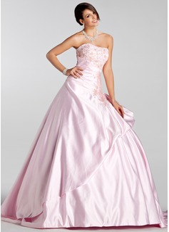 Balklänning Hjärtformad Court släp Satäng Bröllopsklänning med Broderad Rufsar Pärlbrodering Paljetter