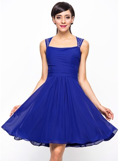 A-Line/Princess Knee-Length Chiffon Bridesmaid Dress With Ruffle