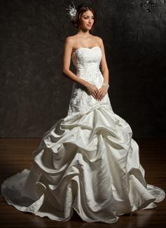 Forme Marquise Bustier en coeur Traîne mi-longue Satiné Robe de mariée avec Dentelle Emperler