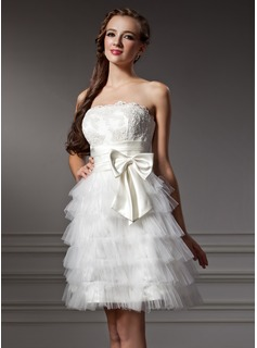 A-Line/Princess Strapless Knee-Length Satin Tulle Homecoming Dress With Ruffle Lace