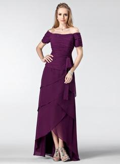 A-Linie/Princess-Linie Schulterfrei Asymmetrisch Chiffon Kleid für die Brautmutter mit Rüschen Perlen verziert