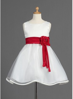 A-Line/Princess Scoop Neck Knee-Length Organza Satin Flower Girl Dress With Sash Beading Flower(s)