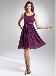 A-Line/Princess Scoop Neck Knee-Length Chiffon Charmeuse Bridesmaid Dress With Sash