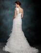 Forme Sirène/Trompette Encolure asymétrique Traîne moyenne Organza Robe de mariée avec Fleur(s) Robe à volants (002000626)