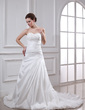A-Line/Princess Sweetheart Chapel Train Taffeta Wedding Dress With Ruffle Lace Beading (002004982)
