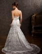 Robe Sirène/Trompette Amoureux Traîne mi-longue Dentelle Robe de mariée avec Brodé Fleur(s) (002000427)