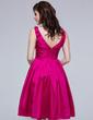 A-Line/Princess Knee-Length Taffeta Bridesmaid Dress With Ruffle Beading (007037193)