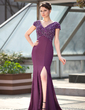 Trumpet/Mermaid V-neck Sweep Train Chiffon Mother of the Bride Dress With Beading Split Front (008018937)