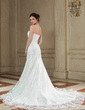 Trumpet/Mermaid Sweetheart Court Train Tulle Wedding Dress With Ruffle Appliques Lace (002000635)