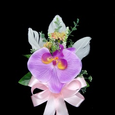 Simple And Elegant Free-Form Satin/Cotton Boutonniere