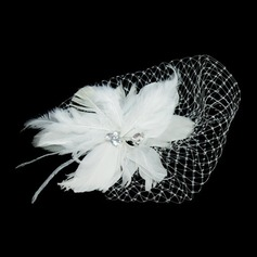 Prachtige Feather/Tule Fascinators met Strass