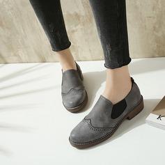 Kvinnor Konstläder Flat Heel Platta Skor / Fritidsskor Stängt Toe med Elastiskt band skor
